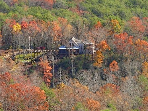 1284593 likewise Digidreamgrafix in addition South Carolina as well Treehouses On The Edisto as well Lake Jocassee. on lake jocassee south carolina houses