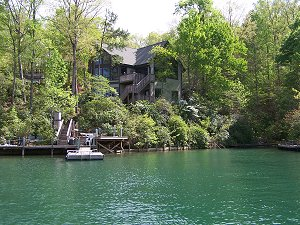 A home on Lake Keowee